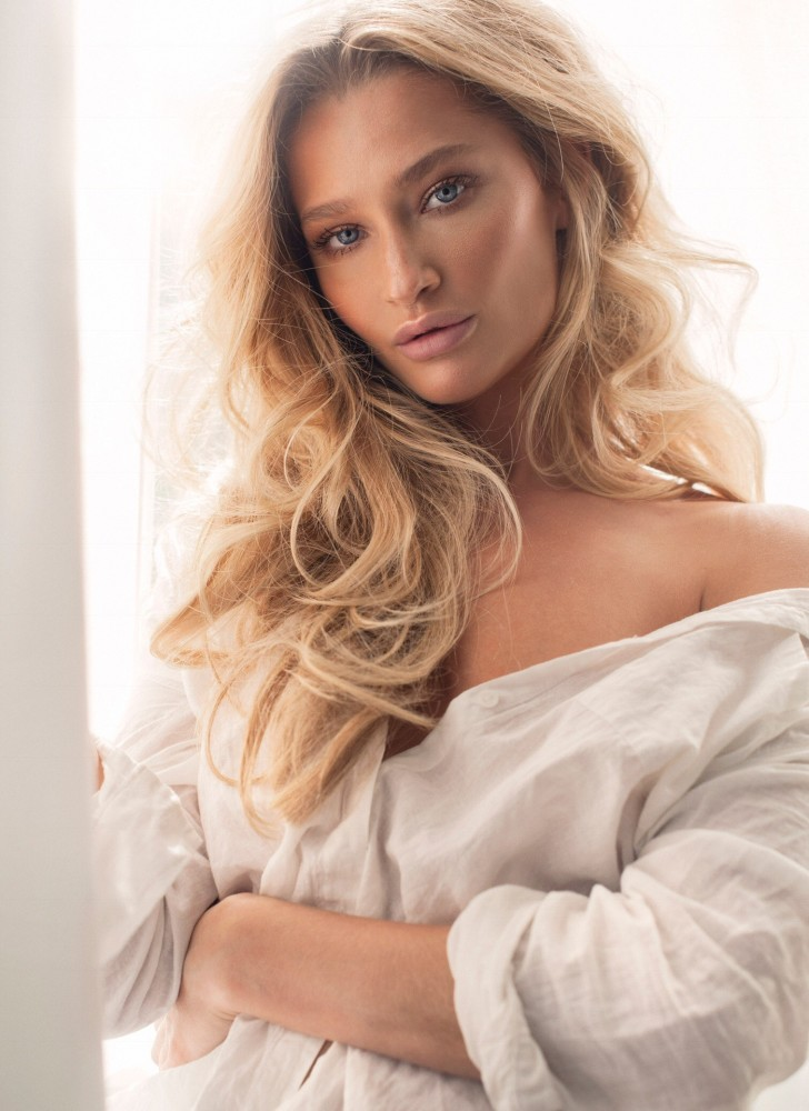 models agency female m Nude