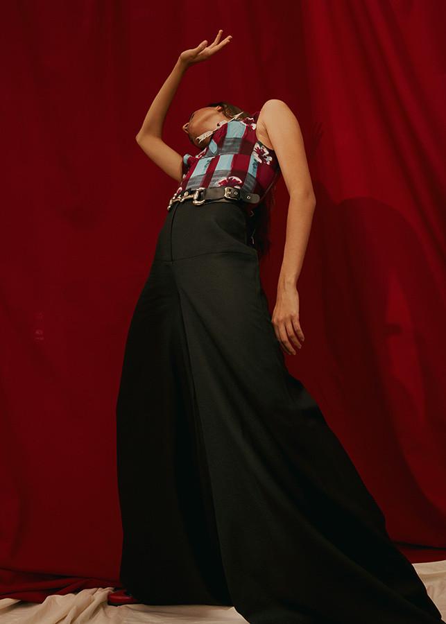 Larissa Gomes for Arcana Magazine