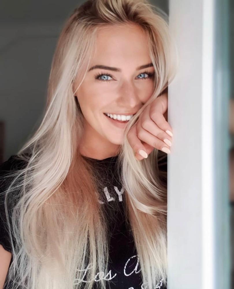Eva M