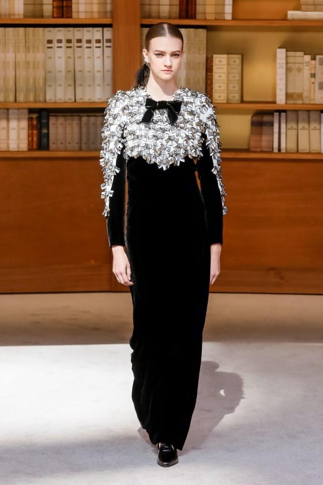 Vanessa Hartog | Chanel Couture Fall Winter 2019 | Paris Fashion Week