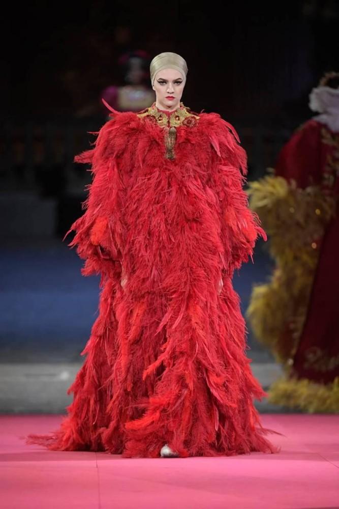 Vanessa Hartog | Dolce & Gabbana Alta Moda Spring 2020 Show | Milan