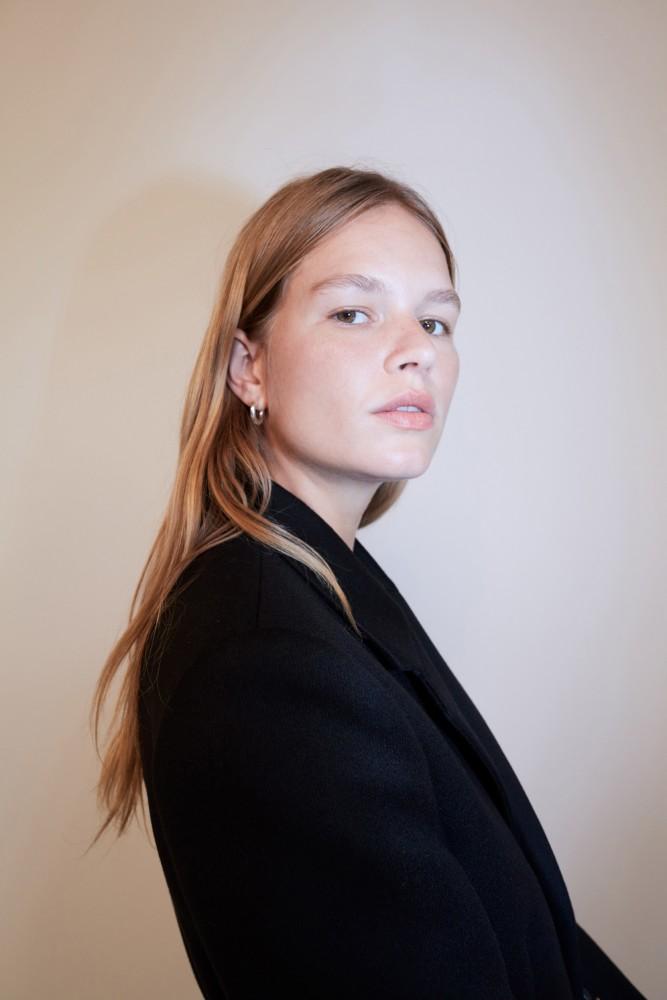 Anna Ewers | BOTTEGA VENETA RESORT 2020 Collections
