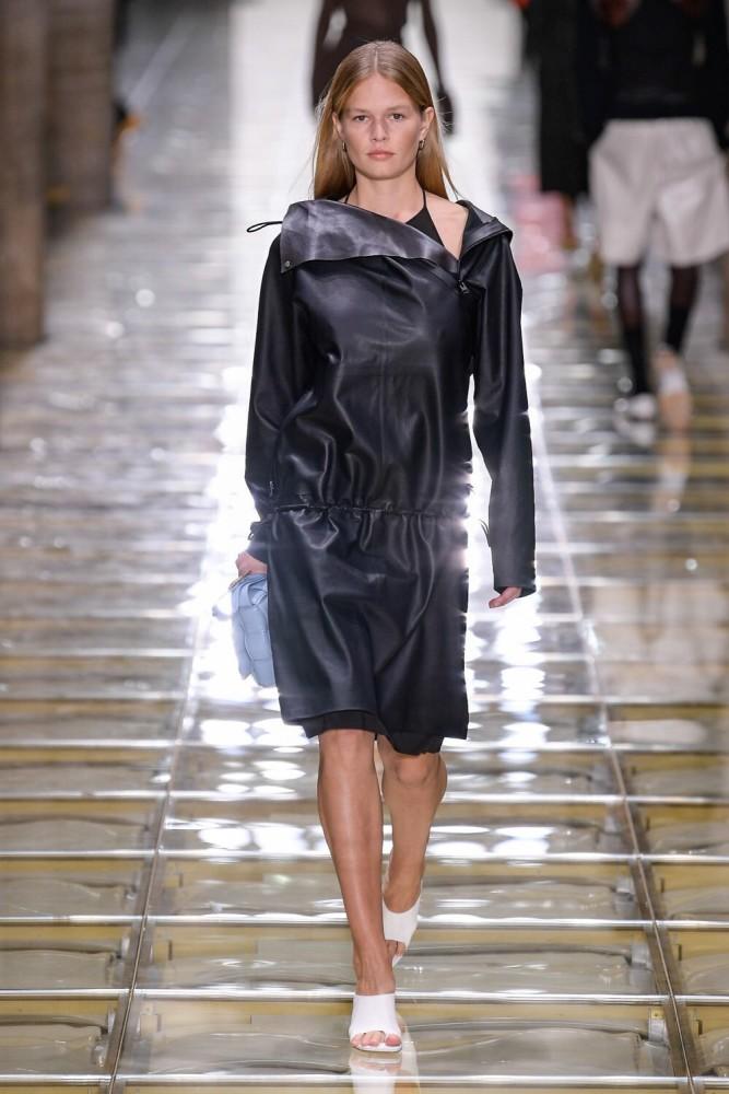 Anna Ewers | BOTTEGA VENETA Men & Women SS20 | Milan Fashion Week