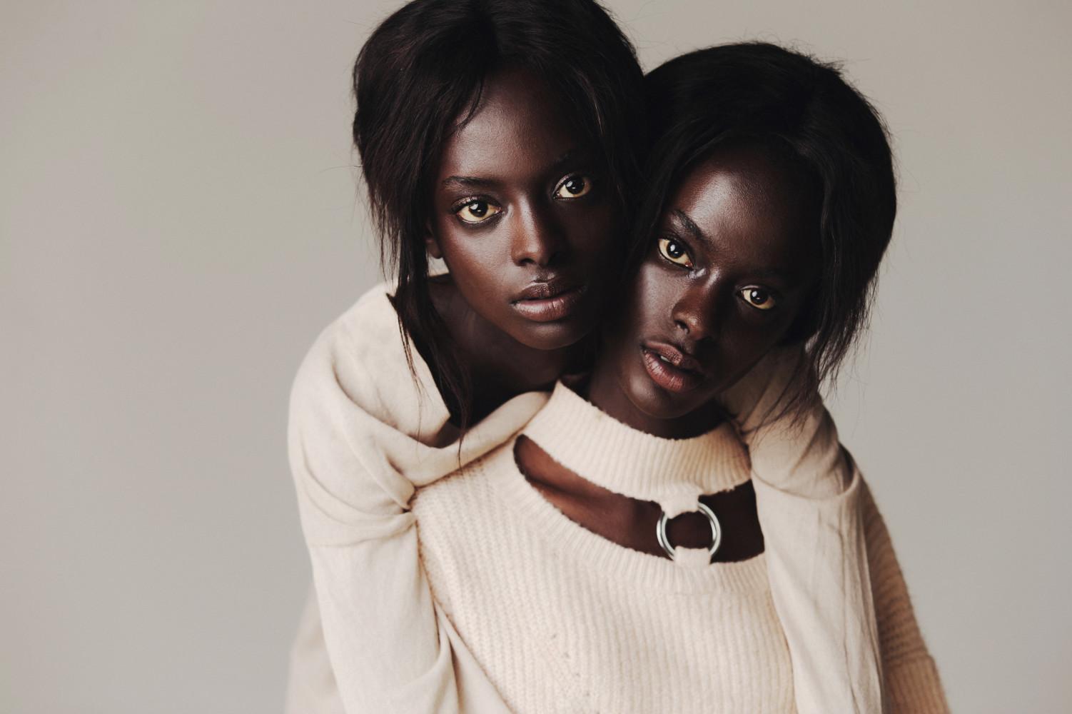 TWINS: Aicha & Marie