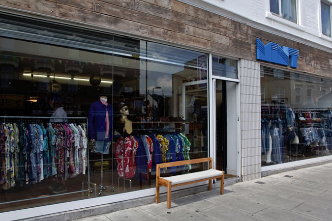 top-5-London-vintage-stores-leading-London-modelling-agency-IMM