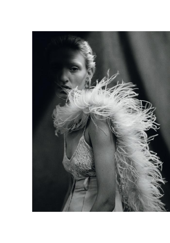 MAGGIE MAURER for Vogue Poland by Sonia Szostak