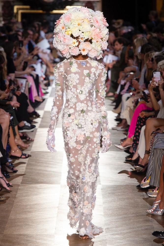 OLIVIA ANAKWE  in Haute Couture FW18