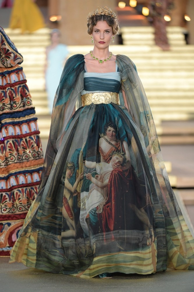 LINE UP GIRLS in Dolce&Gabbana alta moda FW2019-2020