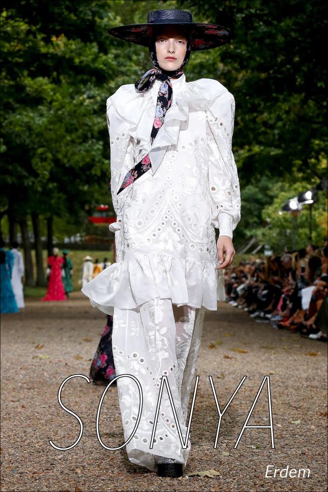 LINE UP GIRLS in London Fashion Week SS20