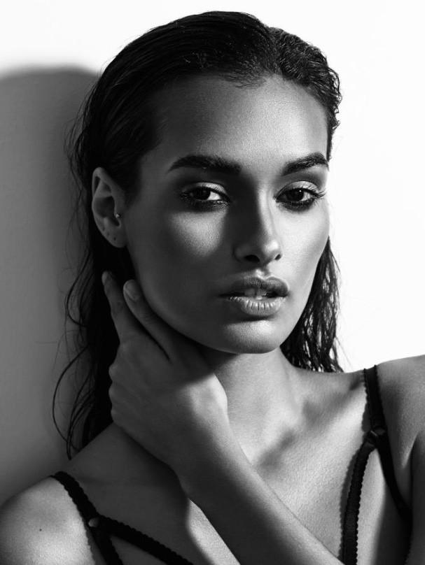 Gizele Oliveira Nude Photos 42
