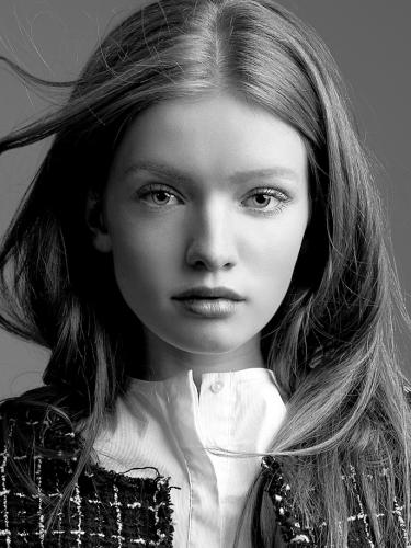 Louisa Cm Model Agency 8