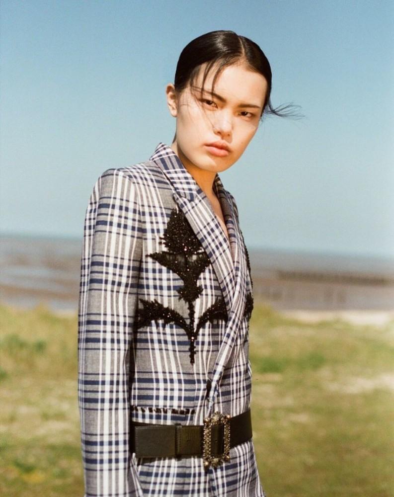 Yudu Zeng for Harper's Bazaar Vietnam