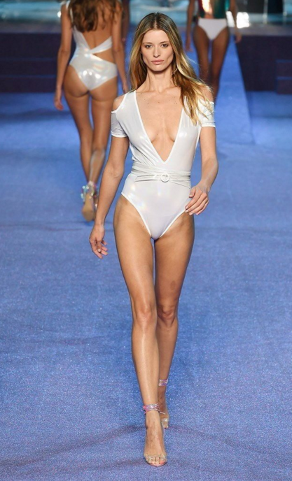 Comment un mannequin se prépare pour la Fashion Week