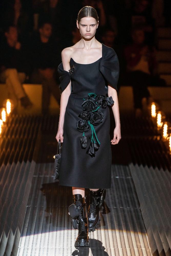 Maud Hoevelaken for Prada RTW Fall 2019  MFW