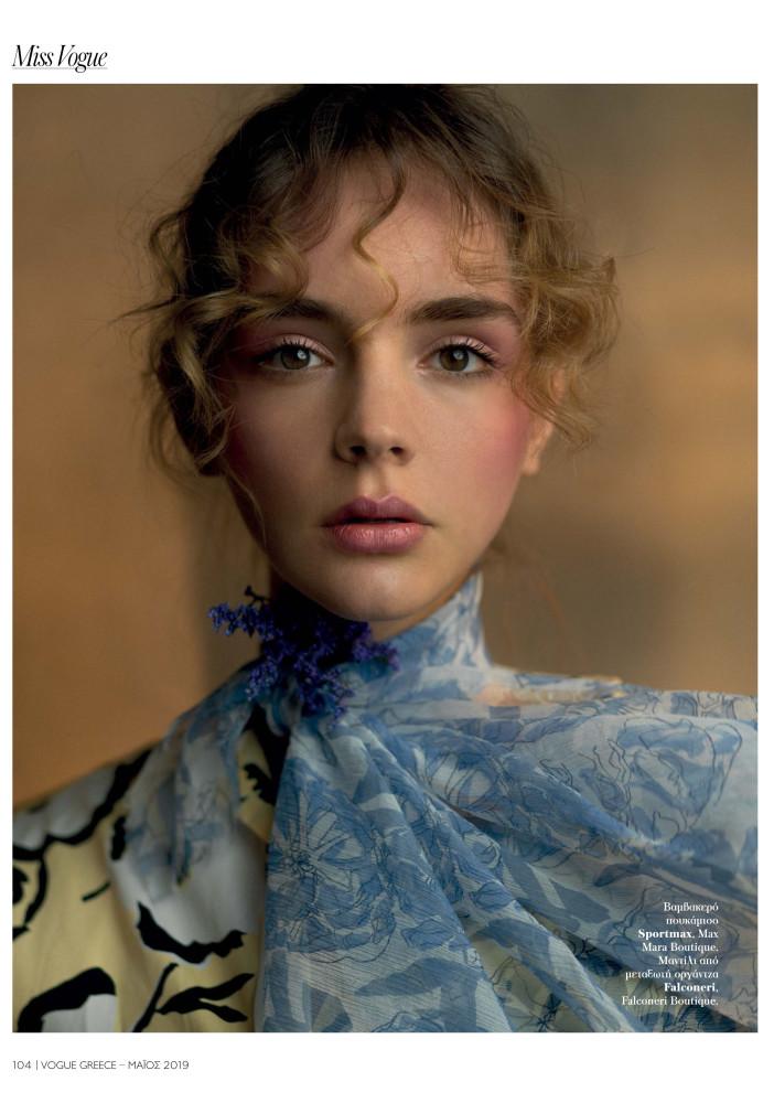 Paulina Frankowska for Vogue Greek May 2019
