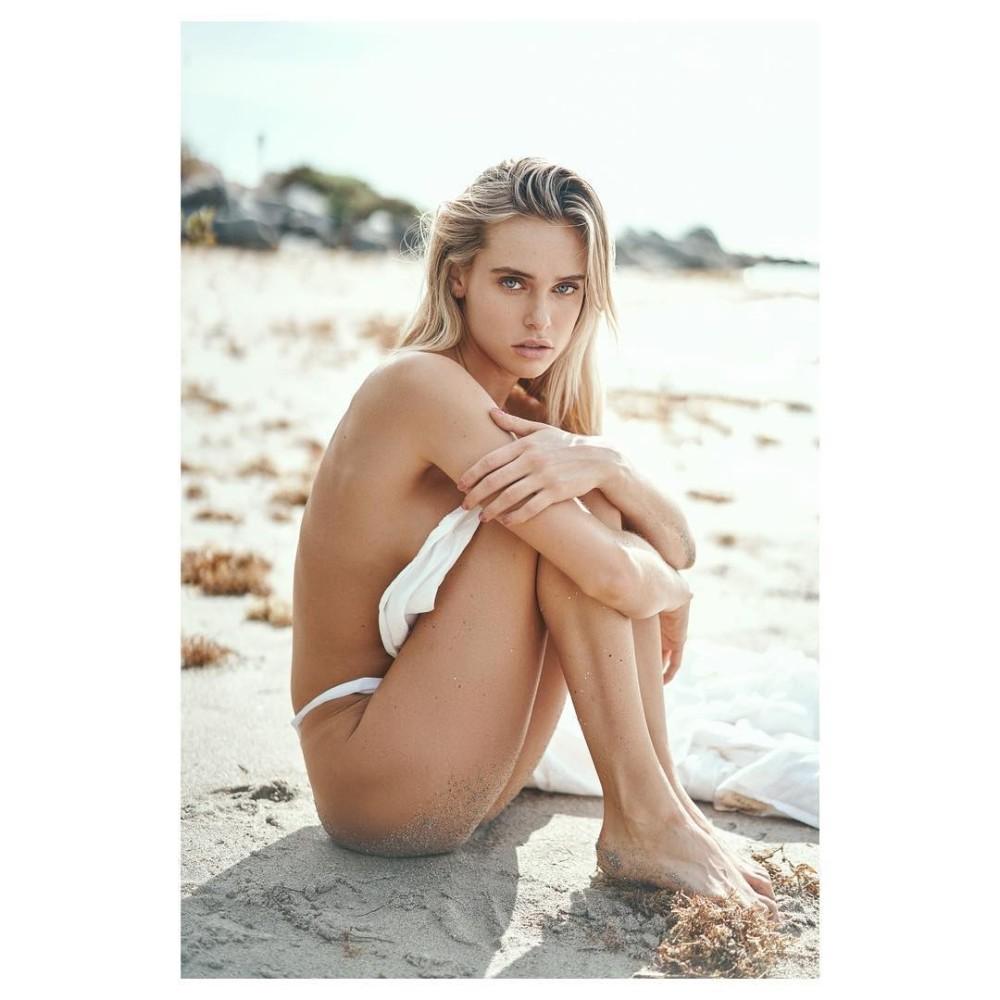 Ellie Ottaway by Dante Monteverde