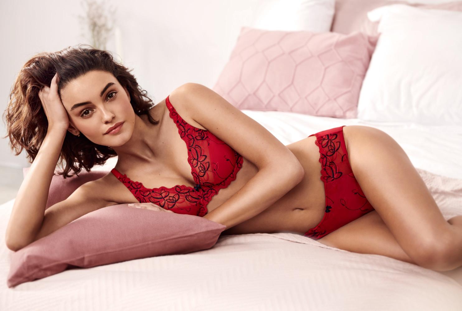 Daria Roxin for Hunkemoller lingerie
