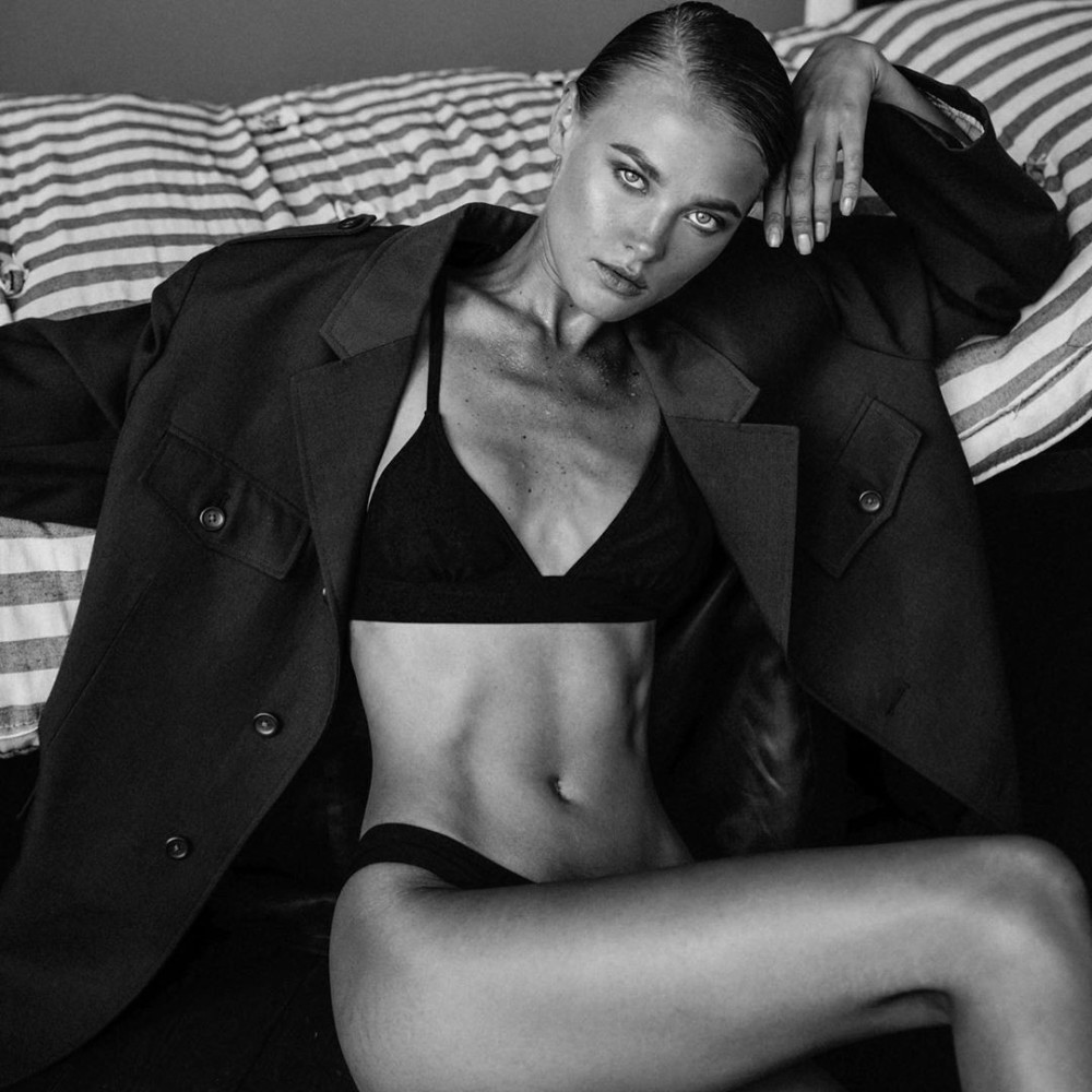 Kate Feo by Mikhail Kabochkin