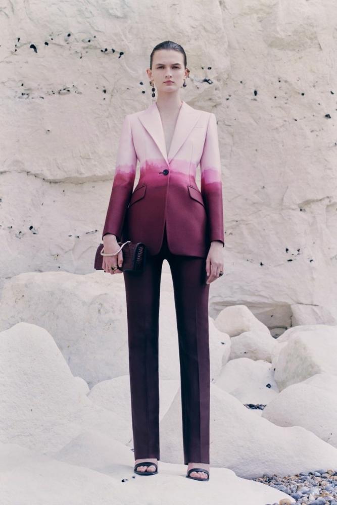 Lara Mullen for Alexander McQueen Pre S/S 21 Women's Lookbook