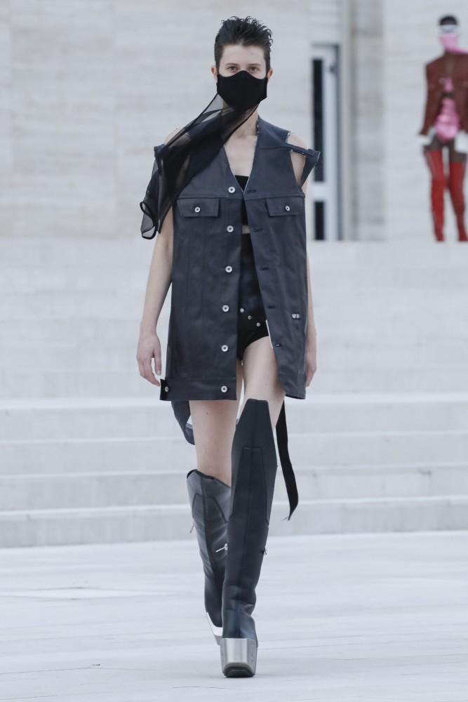 Antonie & Léa for Rick Owen fashion show SS21 in Paris