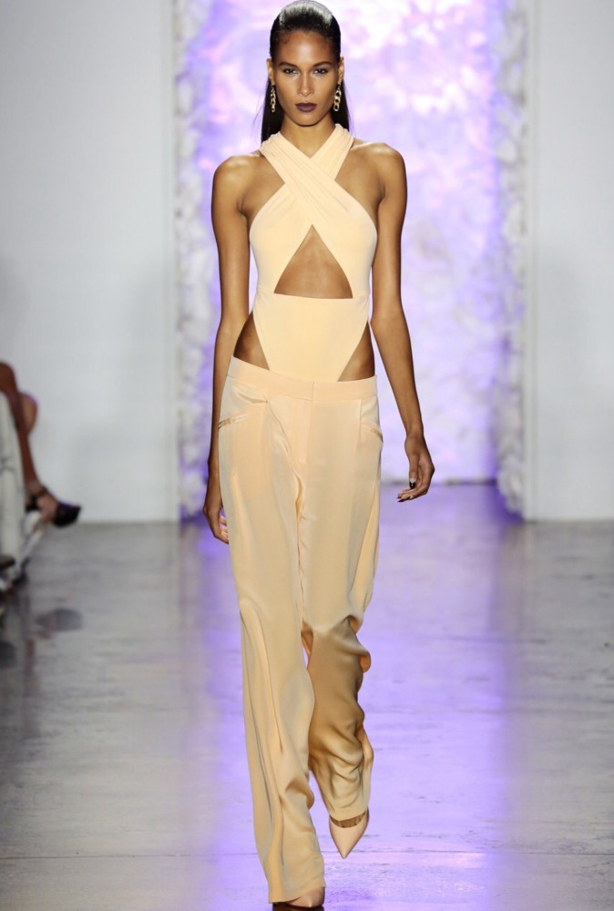 Cindy Bruna for Cushnie et Ochs NYFW SS16