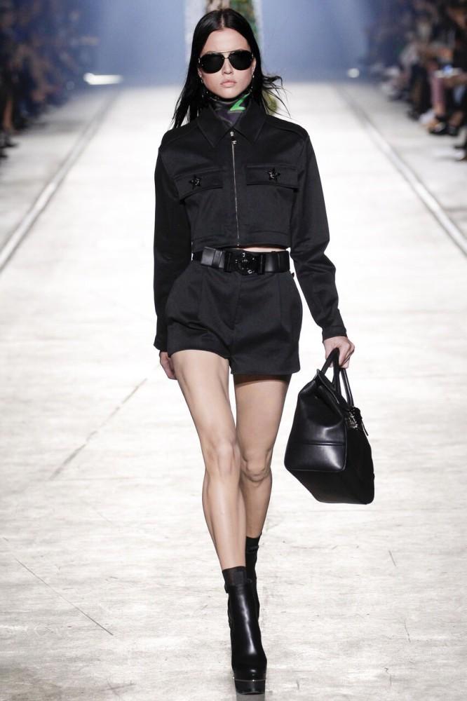 Isis Bataglia for Versace MFW SS16