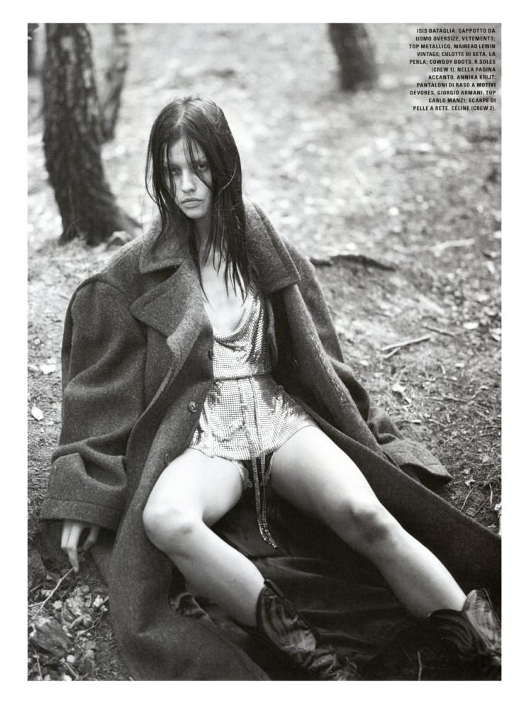 Isis Bataglia for Vogue Italia October 2015