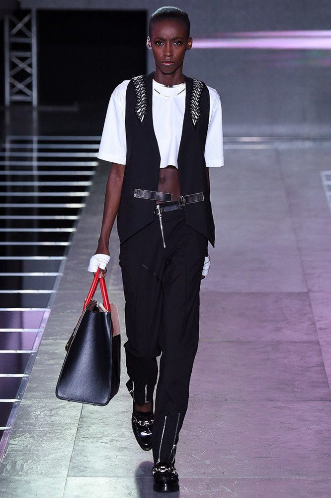 Viviane Exclusive for Louis Vuitton S/S 16 Show