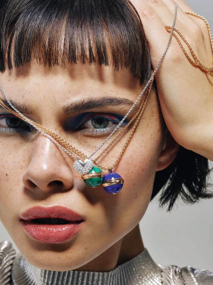 Stasia Smerechevska covers the Luxury Magazine