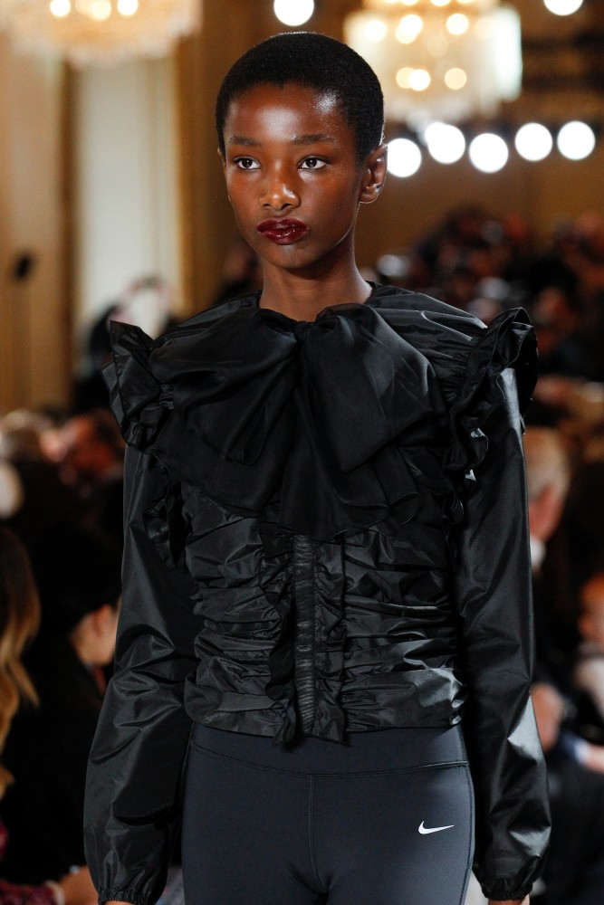 ⭐️ RADIANT IMARI KARANJA FOR GIAMBATTISTA VALLI FW17 ⭐️