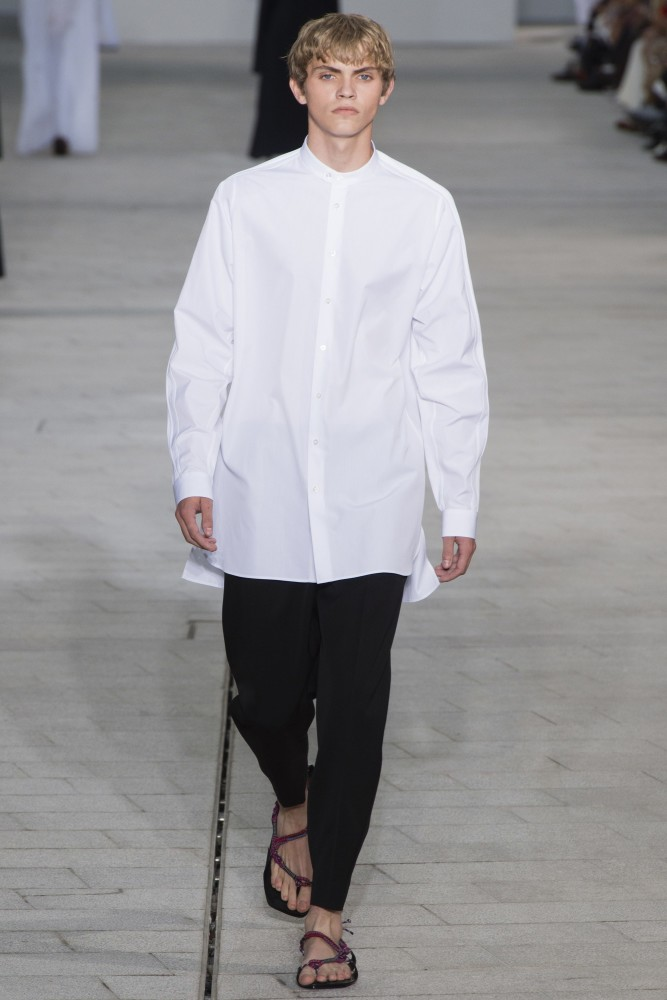 JOSELUIS Walking For JIL SANDER SS18