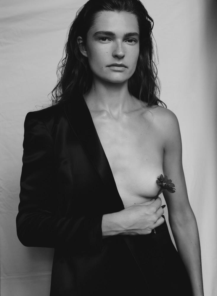 Laura for Les Femmes Publiques