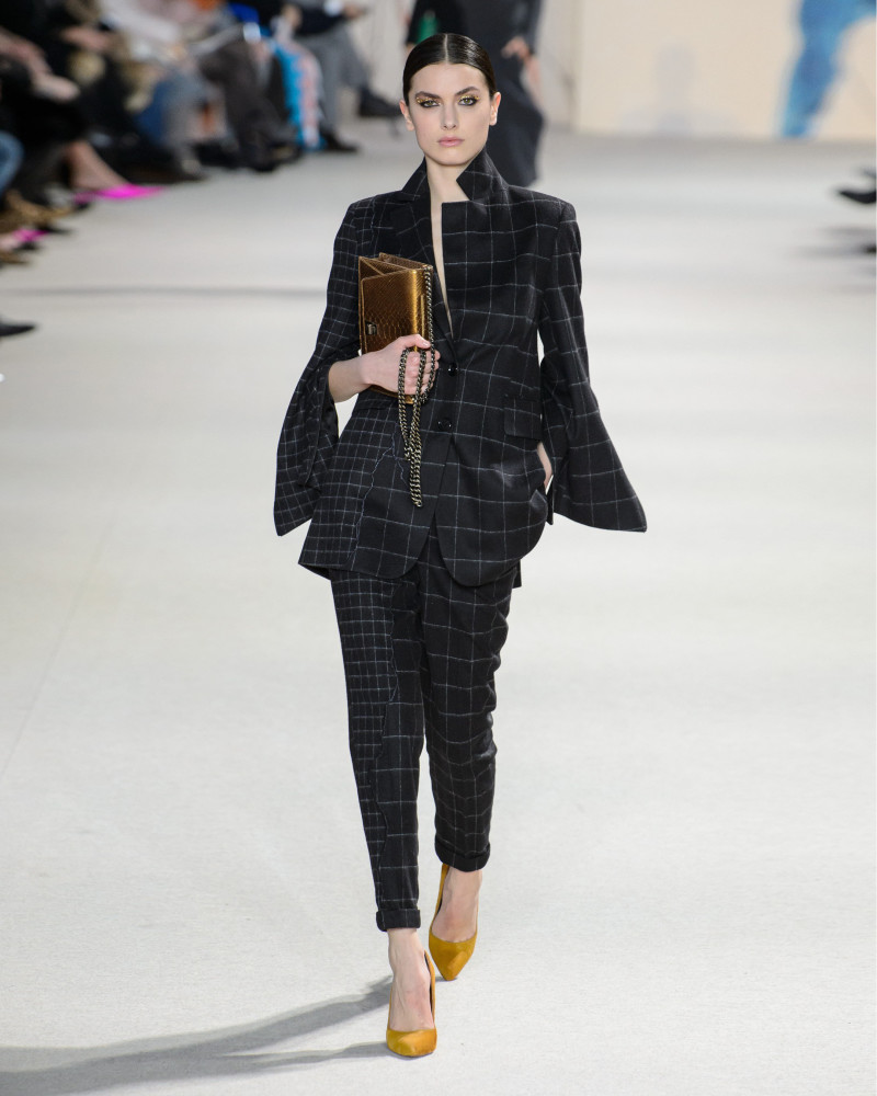 MILI Boskovic for AKRIS fall 2018, Paris Fashion Week