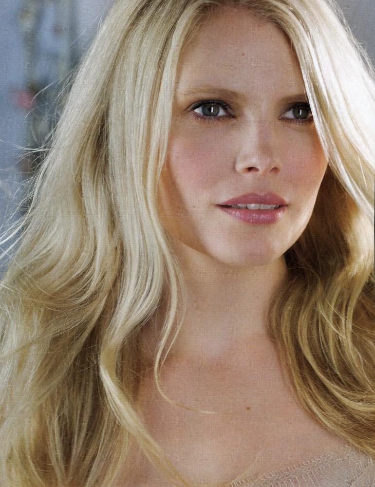 Nathalie Cox actress
