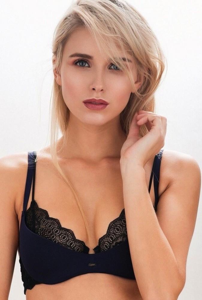 Scarlett Gartmann Model