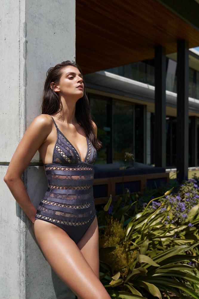 ALEXA CORLETT FOR ELLE BULGARIA JULY 2018