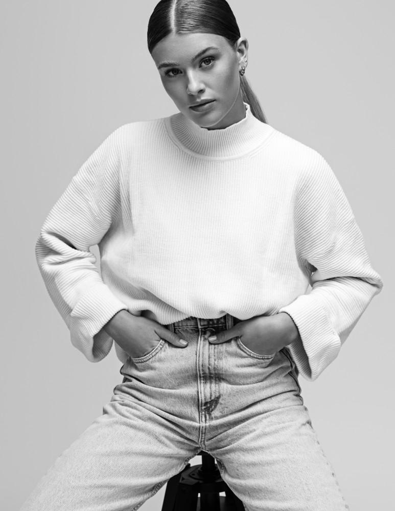 Anja S. new pics