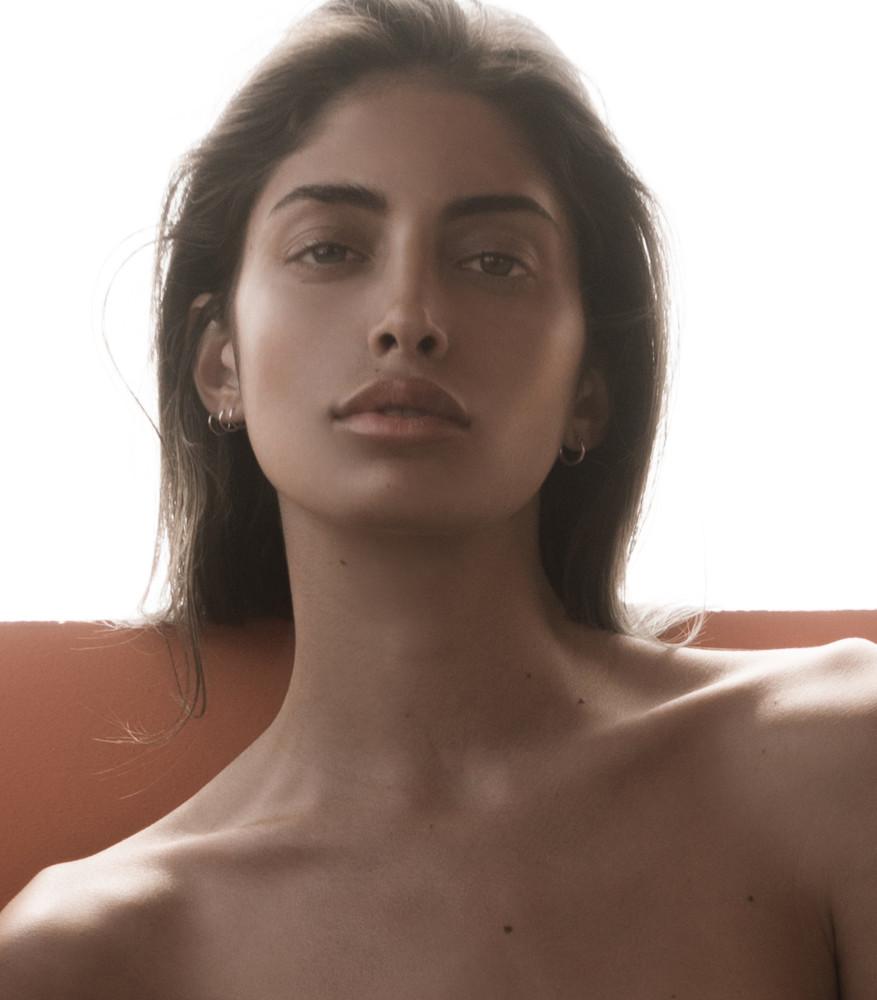 Watch Lara Ghraoui LBA video