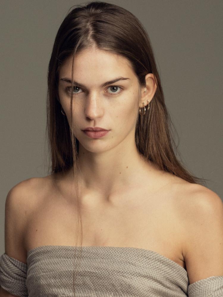 Model anna девушка модель веб сервер