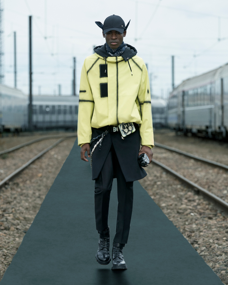 PFW: GIVENCHY SPRING 22