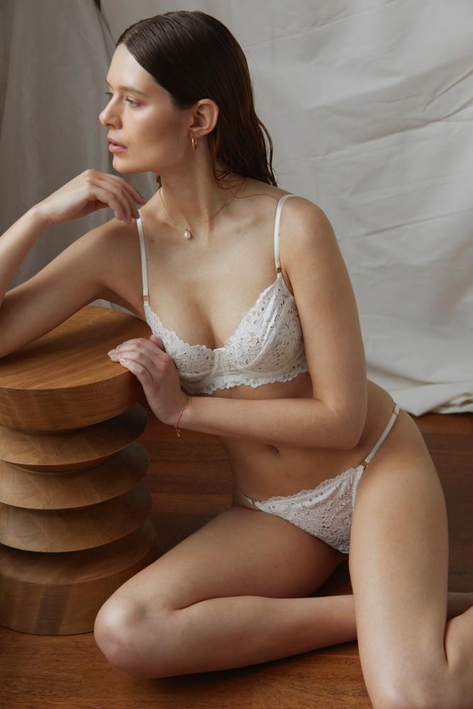 ANNA CHOLEWA
