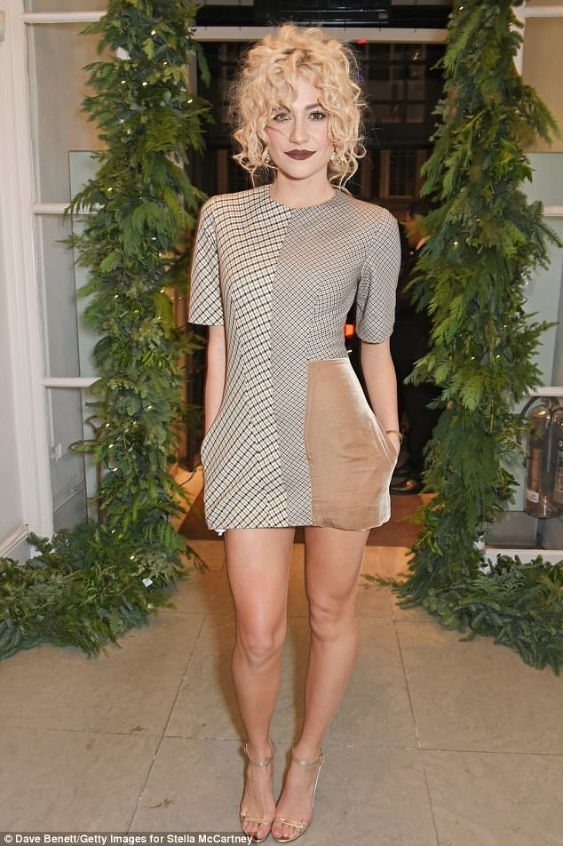 Stella McCartney Christmas Light Switch On- Pixie Lott