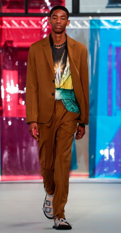Milan Fashion Week- N21 SS19- Montell