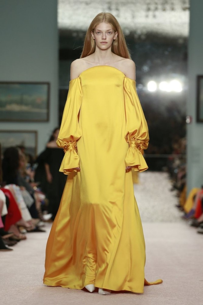 Image result for yellow dresses catwalk carolina herrera