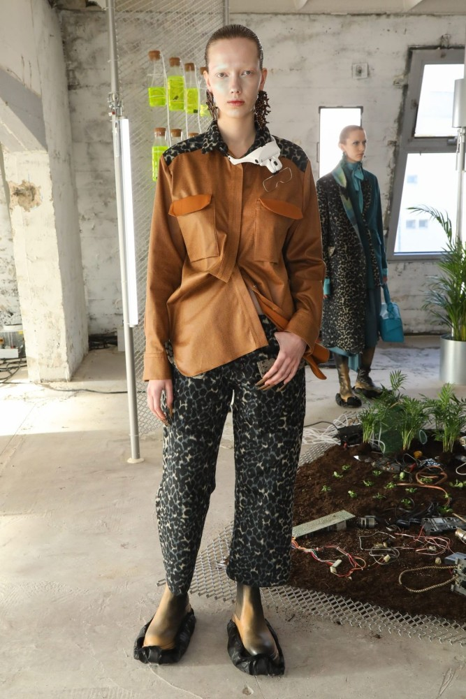 Valentina for FROM ANOTHER PLANETS presented by FFF HKFG Fall Winter 2020
