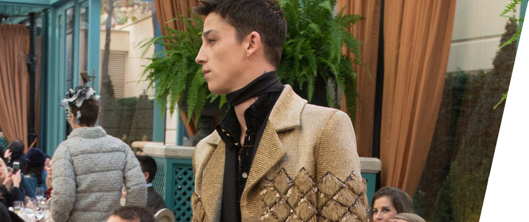 CHANEL - METIERS D'ART 2016.17 FASHION SHOW