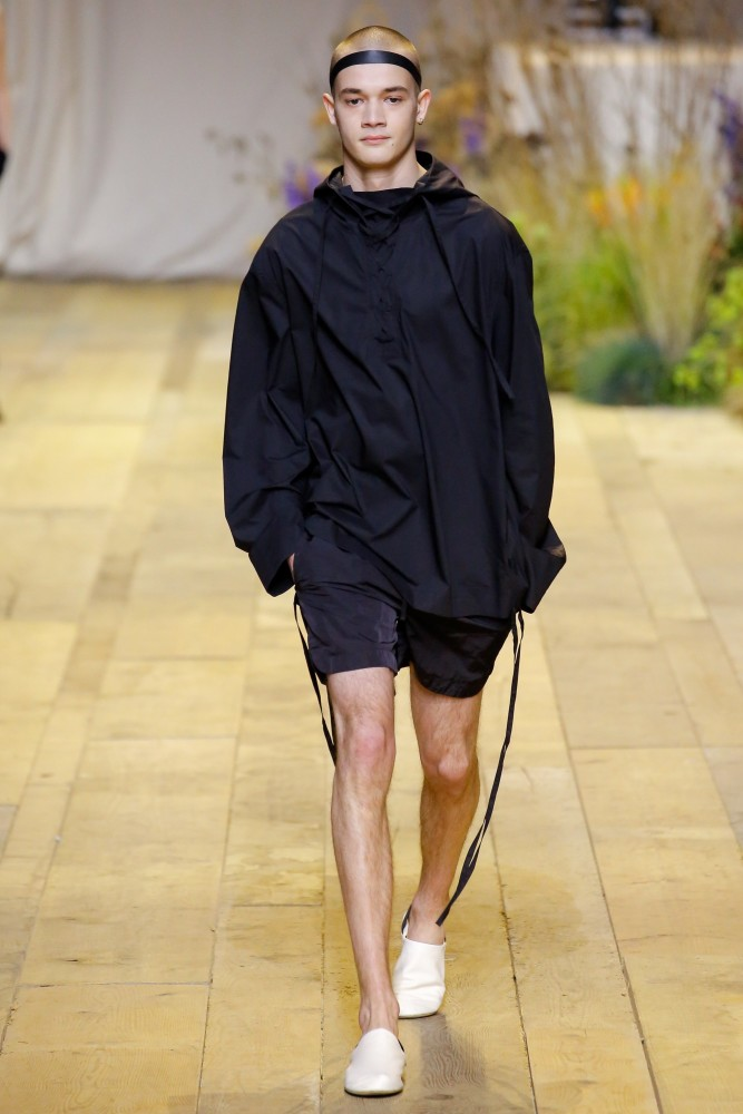 H m fashion show men dresses