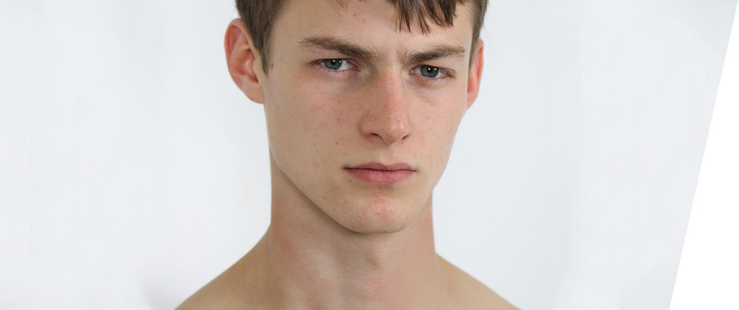 VOGUE - 8 MALE MODELS TO WATCH THIS SEASON