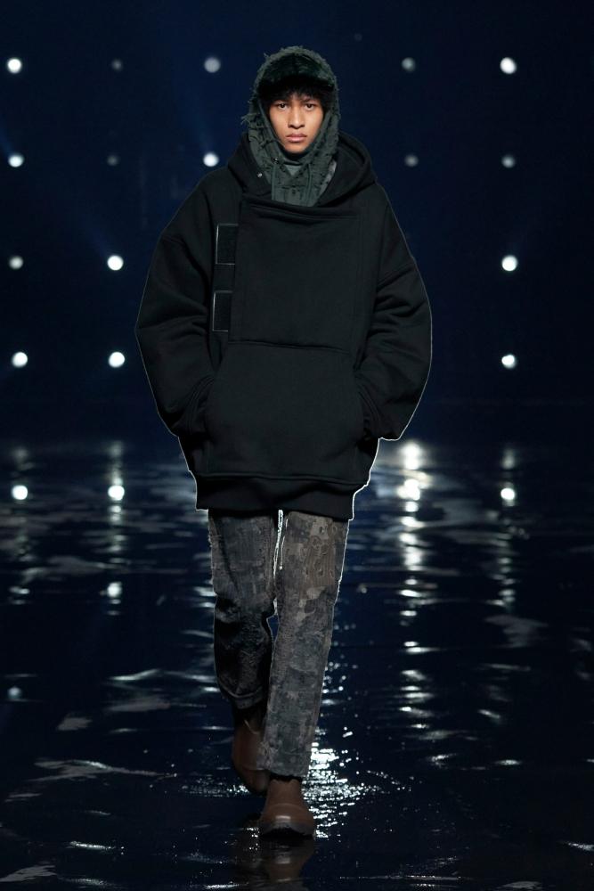 Shawn Lun Givenchy fall winter 2021.22 fashionshow