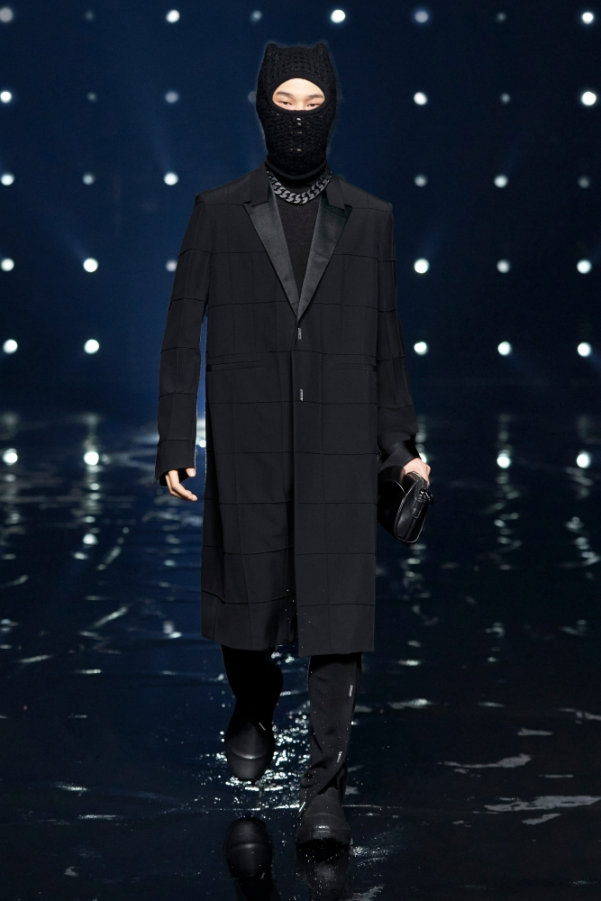 Myung Su Jung Givenchy fall winter 2021.22 fashionshow